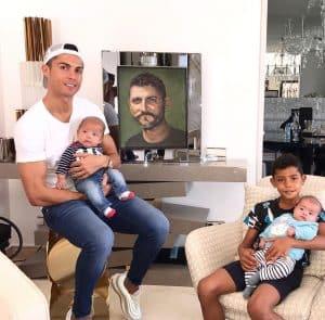ماتيو وايفا ابناء كريستيانو رونالدو
