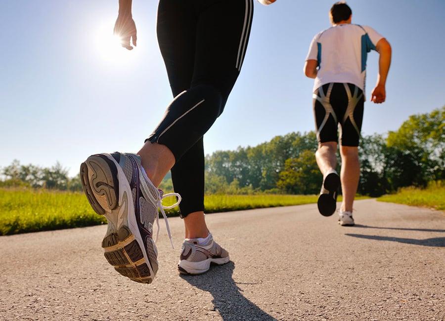 فوائد المشي صباحا