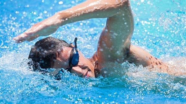 صور السباحة