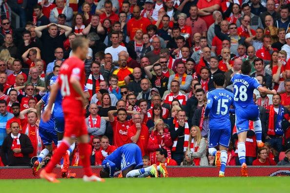 صور تشيلسي يسقط فريق ليفربول ويقترب من دوري الأبطال